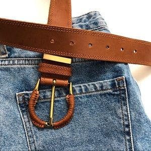 Liz Claiborne Size Medium Leather Belt